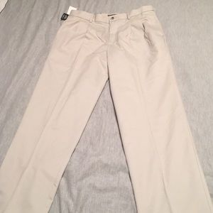 MENS: Dockers Cream Comfort Khaki